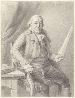 Portret van Reinier Vinkeles, zittend in een stoel met een blad papier in de hand