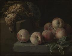 Stilleben mit Pfirsichen und Rebhuhn