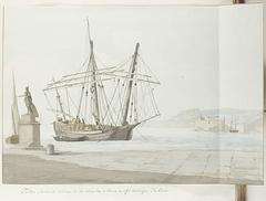 Haven met schip of tartane uit Messina en standbeeld van don Carlos en in de verte het kasteel San Salvatore