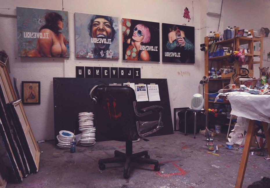 Vanessa Dakinsky - In the studio, 2013 Dans l'atelier, 2013