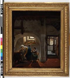 Voorraadkelder met een vrouw die een stenen kruik vult, en een kind